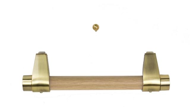 moderne Holzstangengriffe mit dezenten Halterungen in Altmessing (Holzstangen immer passend zum Sarg)