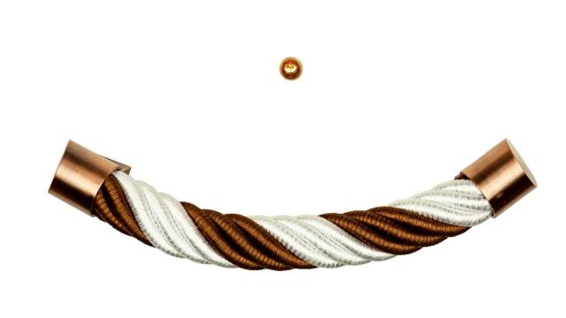 Sarggriffe in den Farben weiß und braun