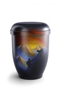 Urnen online Shop Auswahl: Naturstoffurne Airbrush-Motiv Bergsteiger im Sonnenuntergang